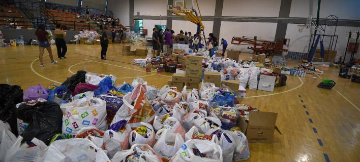 Εθελοντές για βοήθεια στους πυρόπληκτους/ Φωτογραφία intime news