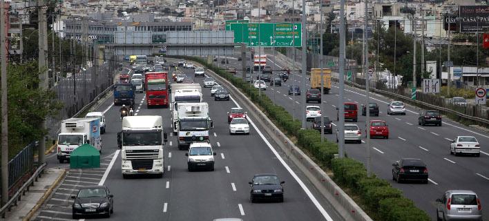 Νταλίκα που μετέφερε ασετόν ανατράπηκε στην εθνική οδό (Φωτογραφία αρχείου: EUROKINISSI/ΓΕΩΡΓΙΑ ΠΑΝΑΓΟΠΟΥΛΟΥ)