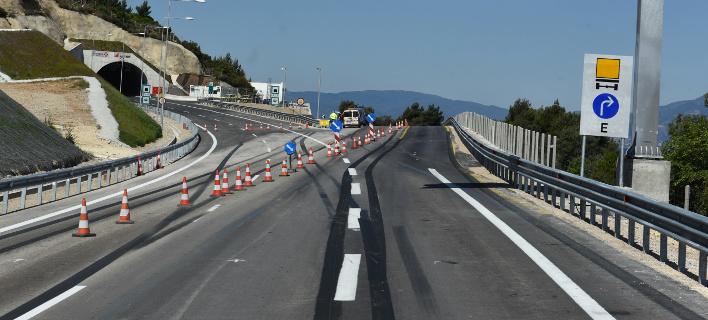 Κυκλοφοριακές ρυθμίσεις, φωτογραφία: EUROKINISSI/ΤΑΤΙΑΝΑ ΜΠΟΛΑΡΗ