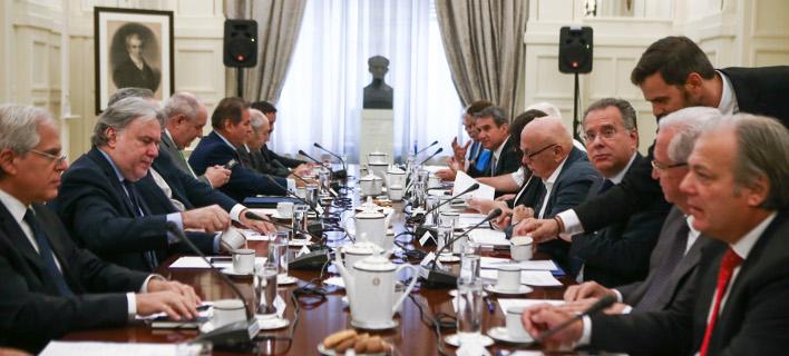 συνεδρίαση εθνικού συμβουλίου/Φωτογραφία: IntimeNews