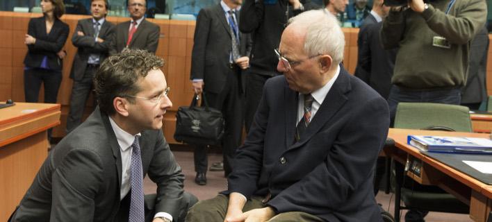 Απίστευτο παρασκήνιο στο Eurogroup: Σόιμπλε-Βαρουφάκης σε μπαράζ επαφών