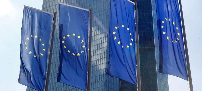 Η ακυβερνησία στην Ευρώπη και τις ΗΠΑ αφήνει ένα μεγάλο κενό σε αυτό που ονομάζουμε Δύση(Φωτογραφία: AP)