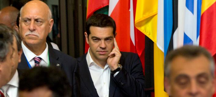 Εμπλοκή: Η κυβέρνηση απορρίπτει την 5μηνη παράταση και τα 15,5 δισ. ευρώ