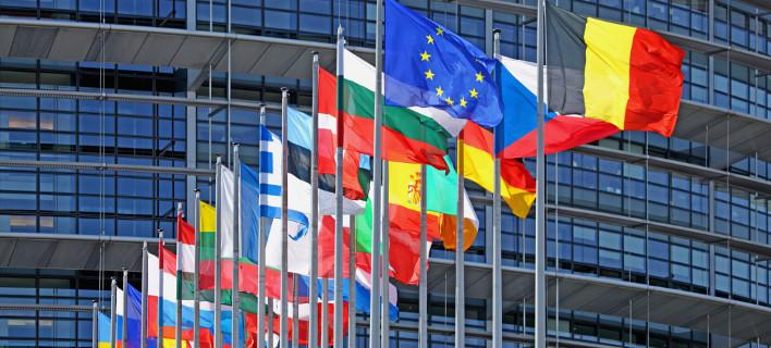 Είκοσι πέντε χώρες μέλη της ΕΕ ανακοίνωσαν στρατιωτική συνεργασία