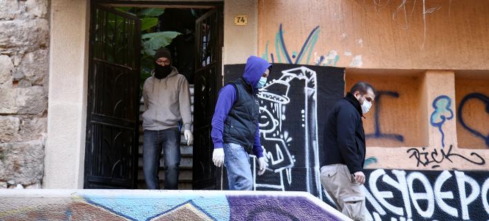 Μετά την επέμβαση της ΕΛ.ΑΣ στο κτίριο της οδού Καλλιδρομίου Φωτογραφία: Intimenews/ΤΖΑΜΑΡΟΣ ΠΑΝΑΓΙΩΤΗΣ