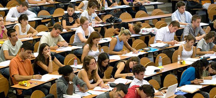 #exetastiκι_song: Οι φοιτητές «τραγουδούν» τον πόνο τους στο Twitter για την εξεταστική περίοδο