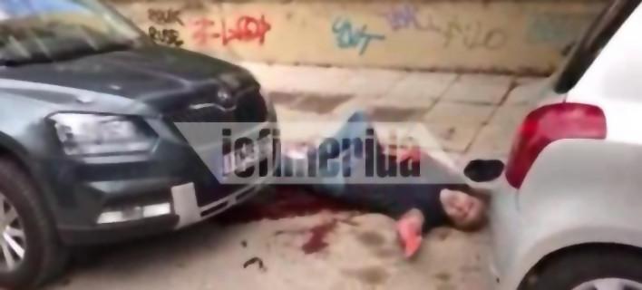 Νεκρός ο άνδρας που γάζωσαν με καλάσνικοφ στο Π. Φάληρο -Αποκλειστικό βίντεο
