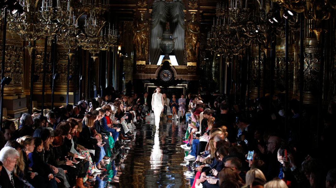 Εβδομάδα μόδας στο Παρίσι για φθινόπωρο/χειμώνα 2018-2019-Φωτογραφία: AP Photo/Francois Mori
