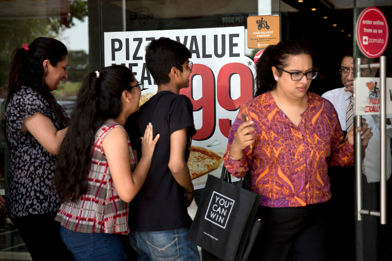 Η απαγόρευση των διαφημίσεων για πρόχειρο φαγητό, θα μπορούσε να βοηθήσει στην αντιμετώπιση του φαινομένου της παχυσαρκίας