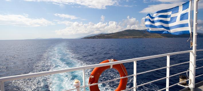 Πλοίο σε θάλασσα. Φωτογραφία: Shutterstock