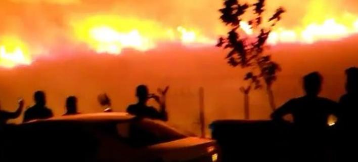 Τουρκία: Πύρινη λαίλαπα απειλεί τη βάση του ΝΑΤΟ στη Σμύρνη [βίντεο]