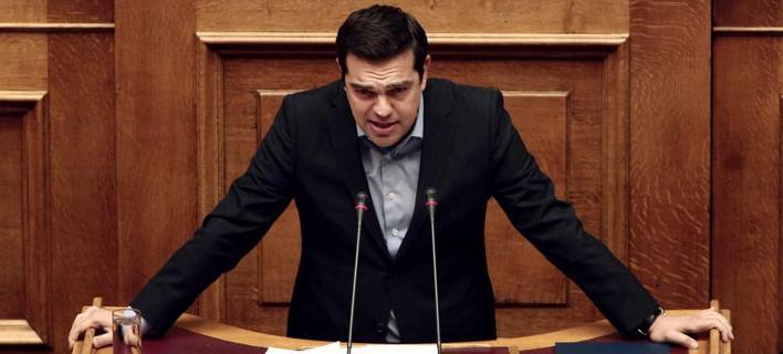 Το πήρε και η Le Figaro: «Μόνο ο αέρας που αναπνέουν δεν φορολογείται στην Ελλάδα»
