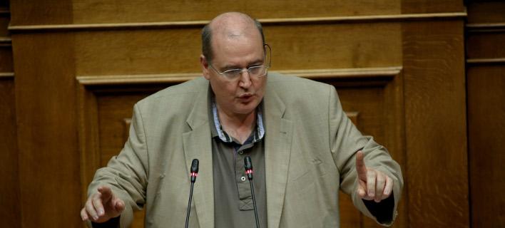 Φίλης κατά Μητσοτάκη: Το ΕΛΚ είναι υπέρ της συμφωνίας, εκείνος αρνείται την εθνική γραμμή