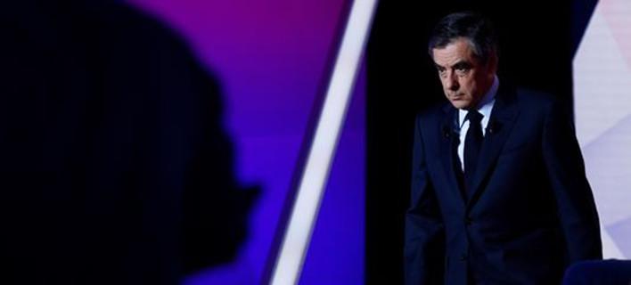 Γαλλία: Ο Φιγιόν προσπαθεί να επωφεληθεί από την επίθεση στο Παρίσι -«Η τρομοκρατία, πρώτη προτεραιότητα»