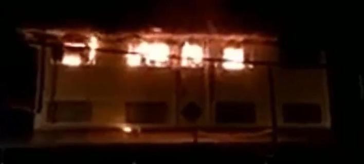 Φωτιά σε ιεροδιδασκαλείο στη Μαλαισία -Πάνω από 25 νεκροί, ανάμεσά τους μαθητές [εικόνες & βίντεο]