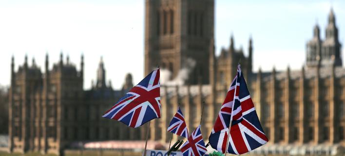 Βρετανία: Οι βουλευτές απέρριψαν το Brexit χωρίς συμφωνία -Στέλνουν ξανά τη Μέι για διαπραγματεύσεις