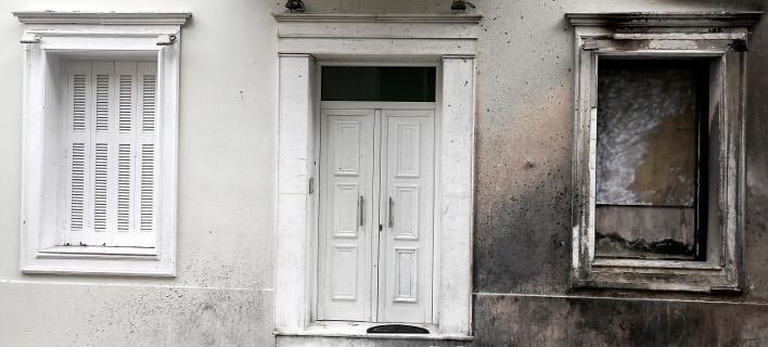 Το σπίτι του Αλέκου Φλαμπουράρη μετά από επίθεση με μολότοφ (INTINEWS/ΛΙΑΚΟΣ ΓΙΑΝΝΗΣ)