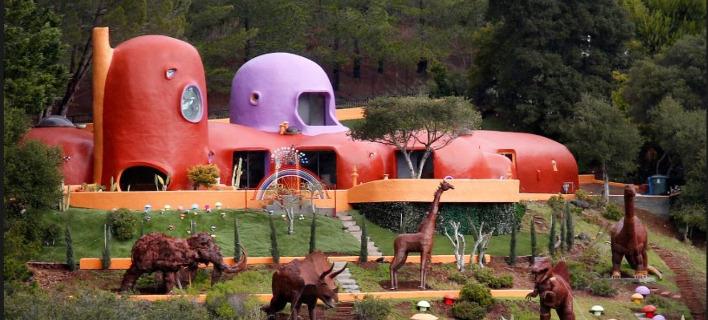 Το «σπίτι των Φλιντστόουν» στην βόρεια Καλιφόρνια. Φωτογραφία: YouTube