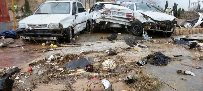 Τουλάχιστον 18 άνθρωποι έχουν χάσει τη ζωή τους στις φονικές πλημμύρες του Ιράν (AP Photo/ISNA)