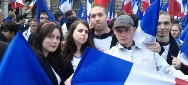 Ποιοί είναι οι Γάλλοι που έδωσαν την πρωτιά στη Μαρίν Λεπέν