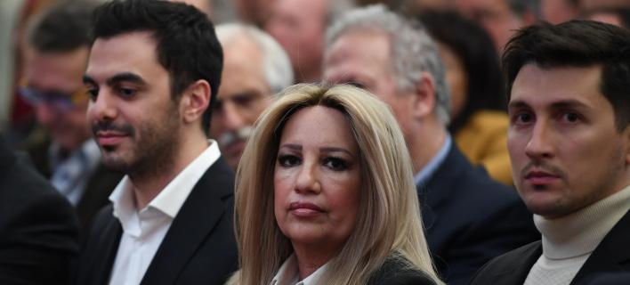 Η Φώφη Γεννηματά (μέση) ο γραμματέας του ΚΙΝΑΛ Μ. Χριστοδουλάκης (αριστερά) και ο εκπρόσωπος Τύπου Π. Χρηστίδης (δεξιά) -Φωτογραφία: Intimenews/ΒΑΡΑΚΛΑΣ ΜΙΧΑΛΗΣ