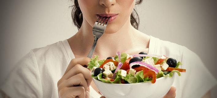Αυτές είναι οι 10 μαγικές τροφές που χαρίζουν τέλειο δέρμα
