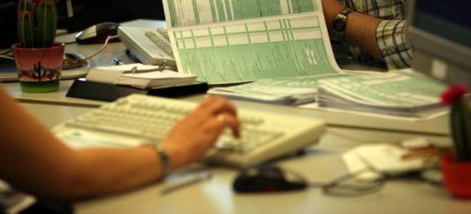 Η κυβέρνηση εξολοθρεύει τους ελεύθερους επαγγελματίες: Νέοι φόροι για το 2014 [λίστα]
