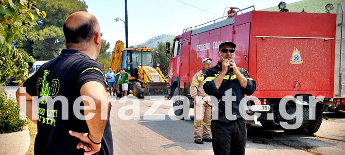 Ζάκυνθος: Η πυροσβεστική έσωσε 100 τουρίστες από τις φλόγες