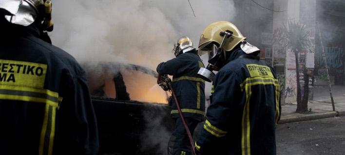φωτιά σε ΙΧ/Φωτογραφία: Eurokinissi