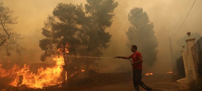 Aπό τη φωτιά στην Κινέτα τον περασμένο Ιούλιο/Φωτογραφία: Eurokinissi