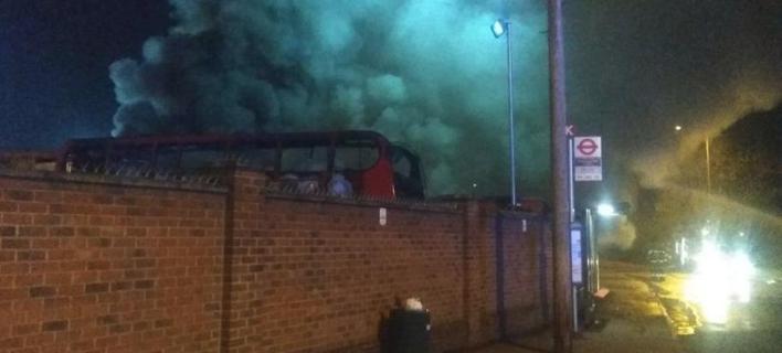 Πυρκαγιά σε αμαξοστάσιο λεωφορείων/Φωτογραφία: Twitter