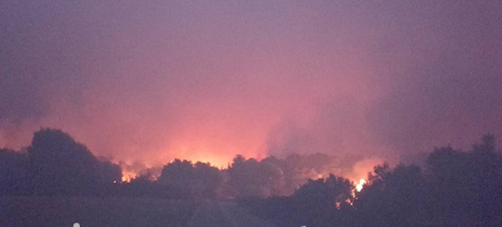 Μάχη με τις φλόγες στη Ζάκυνθο, για 3η μέρα -Απειλήθηκαν οι Μαριές