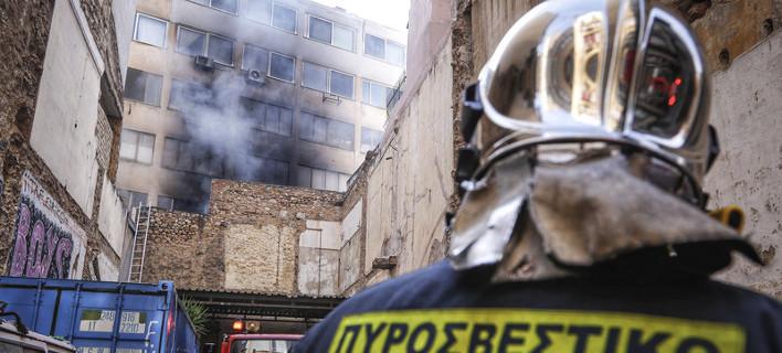 Φωτιά στο Μοναστηράκι /Φωτογραφία: Eurokinissi-Γιώργος Κονταρίνης