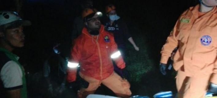 Το πρώτο βίντεο από την Κολομβία - Διασώστες ψάχνουν τα συντρίμμια του αεροπλάνου