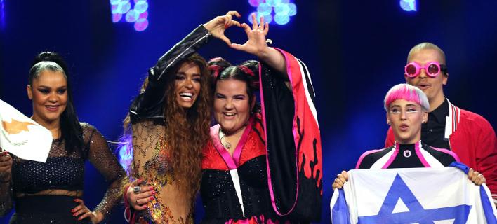 Ελένη Φουρέιρα και Netta στο διαγωνισμό της Eurovision. Φωτογραφία: AP