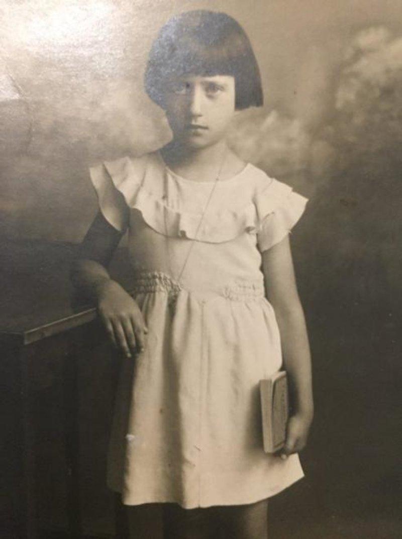 """""""Beautiful Foula Papandreou (aka yiayia Foula) - gone yesterday, remembered always"""", έγραψε η εγγονή της Νατάσα Παπαδοπούλου, δημοσιεύοντας αυτές τις φωτογραφίες."""
