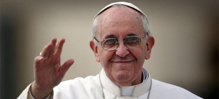 Φοιτητές Θεολογίας ικετεύουν με δάκρυα να ακυρωθεί το ταξίδι του Πάπα στη Λέσβο