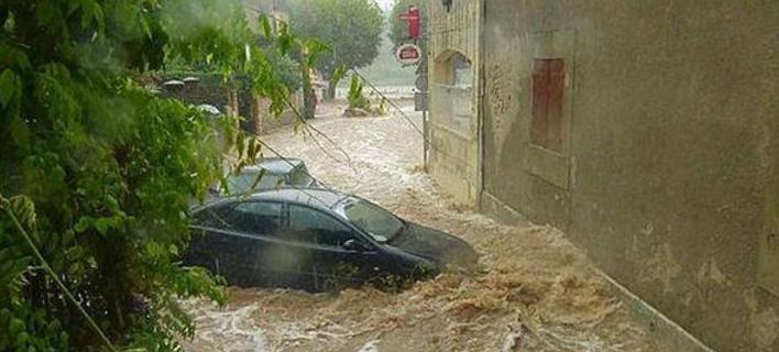 «Πνίγεται» η νότια Γαλλία: Με ελικόπτερα απομάκρυναν 1.600 κατασκηνωτές [βίντεο]