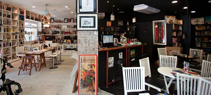 Αλλαγή εικόνας στη ΝΔ: Σε καφέ-βιβλιοπωλείο η παράδοση-παραλαβή Κικίλια-Σπυράκη