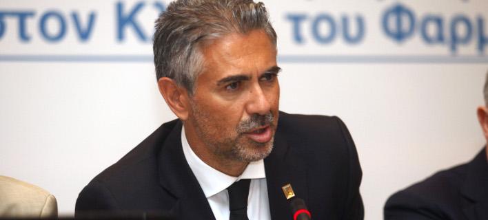 Το πρώην στέλεχος της Novartis Κωνσταντίνο Φρουζής