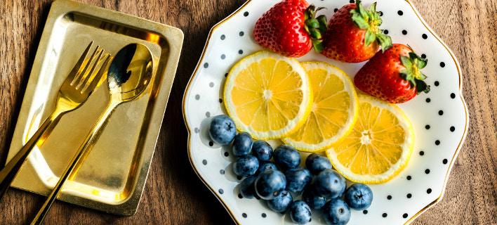 Πιάτο με φρούτα /Φωτογραφία: unsplash