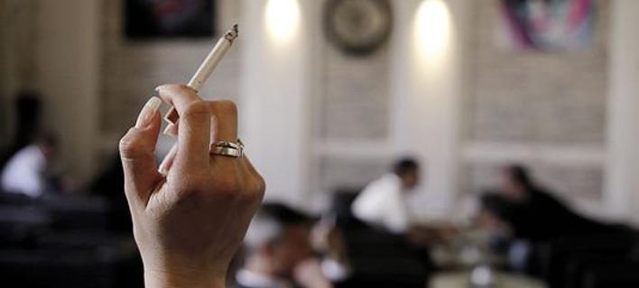 Δεν είμαστε οι μόνοι: Και στην Αυστρία καπνίζουν στα εστιατόρια!