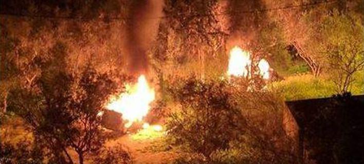 Φλόγες στο άλσος της Νέας Φιλαδέλφειας -Η στιγμή που οι ληστές-απαγωγείς καίνε τα ΙΧ [εικόνα]