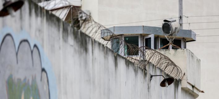 Η μάντρα των φυλακών Κορυδαλλού / Φωτογραφία: EUROKINISSI/ΣΤΕΛΙΟΣ ΜΙΣΙΝΑΣ