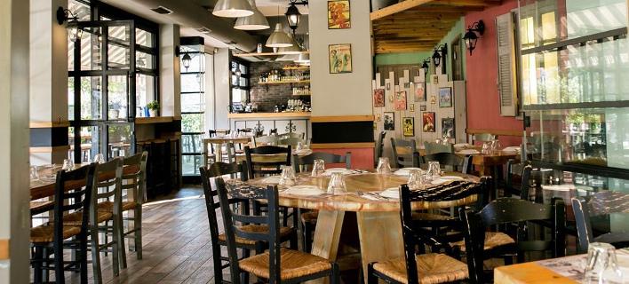 Στο εσωτερικό του εστιατορίου/ Φωτογραφία: Φυσαρμόνικα