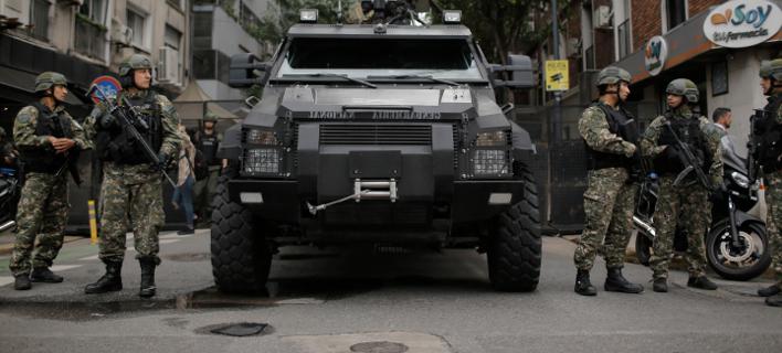 20.000 μέλη των δυνάμεων ασφαλείας έχουν επιστρατευτεί για τη σύνοδο G20 στο Μπουένος Άιρες (Φωτογραφία: AP/Sebastian Pani)