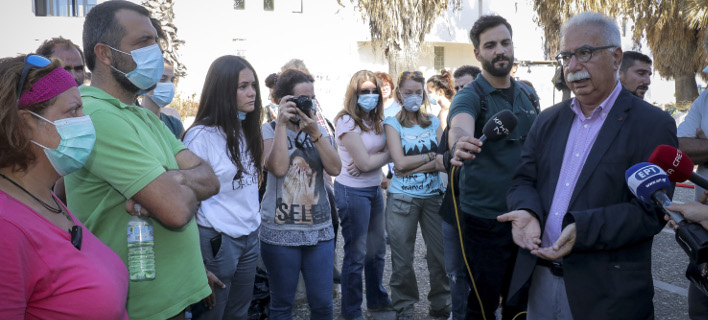 Ο κ. Γαβρόγλου επισκέφθηκε το Παν. Κρήτης μετά τη φωτιά/ Φωτογραφία: EUROKINISSI- ΣΤΕΦΑΝΟΣ ΡΑΠΑΝΗΣ