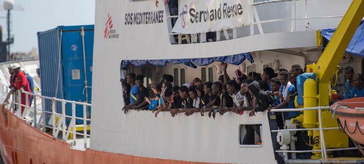Η Γαλλία αρνείται να δεχθεί το πλοίο Aquarius στις ακτές της/Φωτογραφία: AP