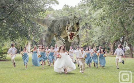 diaforetiko.gr : gamos deinosauros 1 Ποια είναι η ΤΕΛΕΥΤΑΙΑ ΜΟΔΑ ΣΤΟΥΣ ΓΑΜΟΥΣ;;; Τυραννόσαυρος κυνηγά τους νεονύμφους...!!! (ΦΩΤΟ)