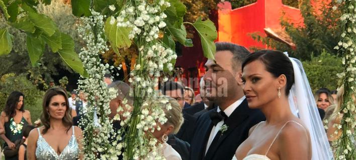 Ηταν όλοι εκεί -Οι λαμπεροί καλεσμένοι στον γάμο Ρέμου-Μπόσνιακ [εικόνες]